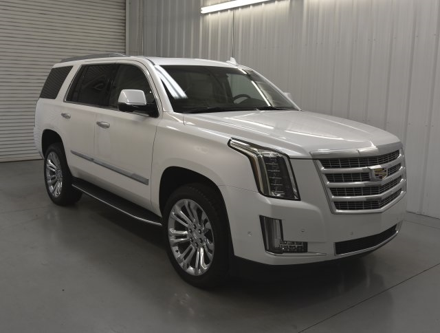 New 2019 Cadillac Escalade Luxury 4D Sport Utility In